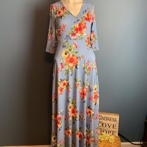 NWT Mother Bee Maternity Blue Floral Maxi Dress